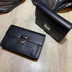 Ví-da-nam-cầm-tay-sang-trọng-Louis-Vuitton-LKM367-8