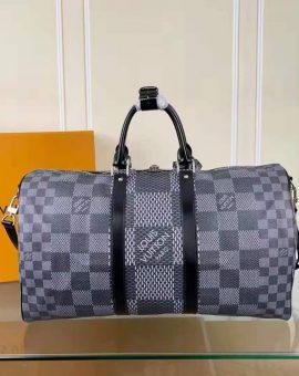 Túi trống Louis Vuitton