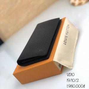 Vi-cam-tay-Louis-Vuitton-hang-hieu